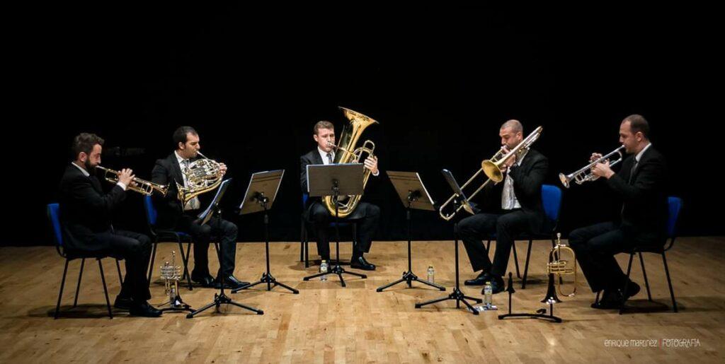 Quinteto de metales back to brass en concierto